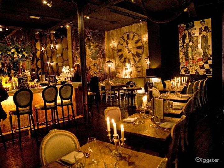 Rustic yet Elegant Bar in London Photo 3