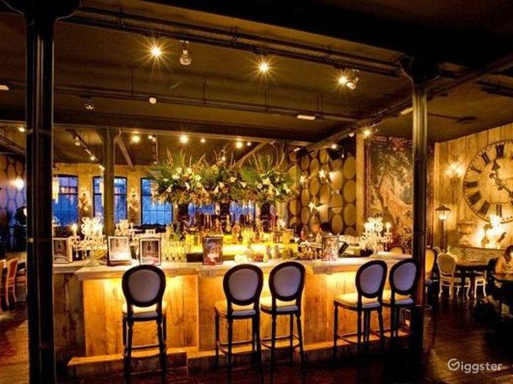 Rustic yet Elegant Bar in London Photo 2