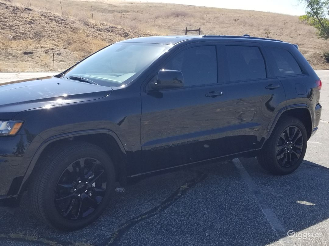 Blacked Out Jeep Grand Cherokee Rent This Location On Giggster