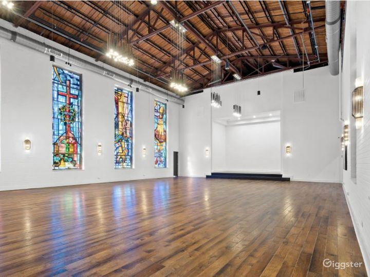 High Ceiling and Spacious Event Space Photo 3