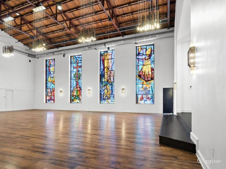 High Ceiling and Spacious Event Space Photo 2
