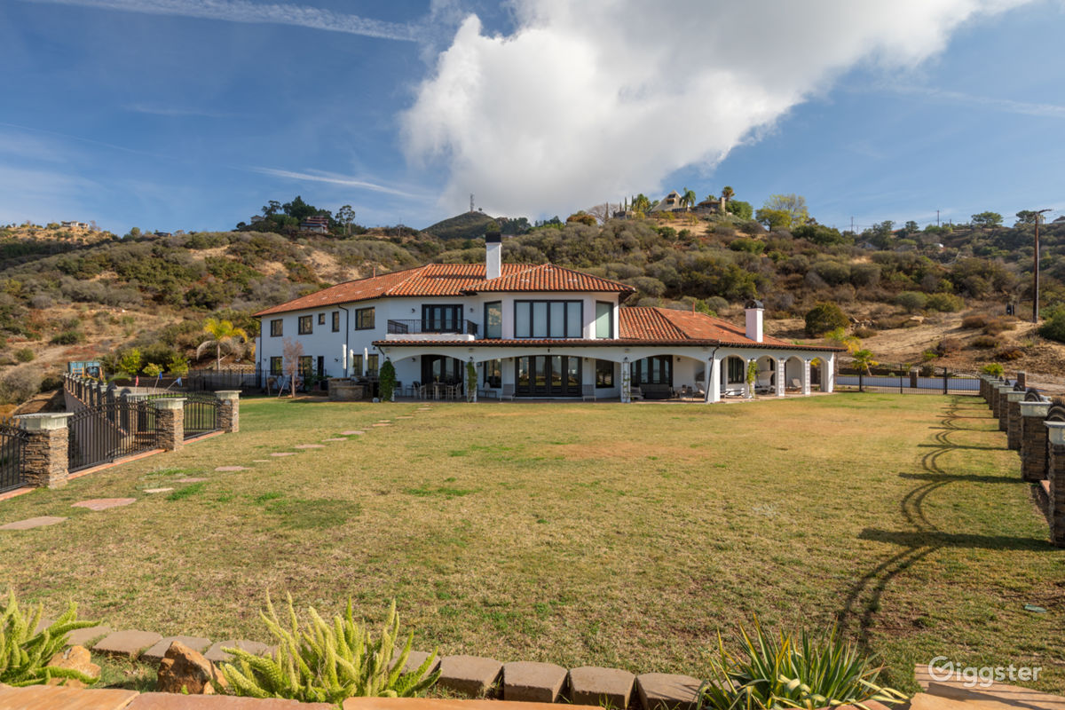 Mediterranean Estate w/ Large Grounds in Malibu Los Angeles Rental