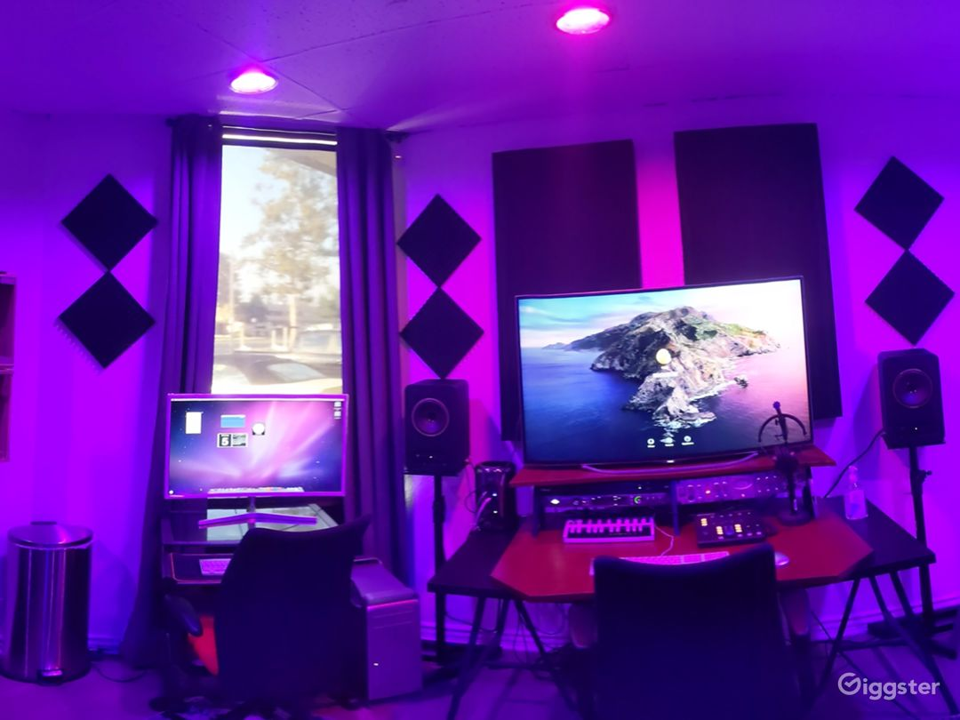 Major Artist Studio Photo 2