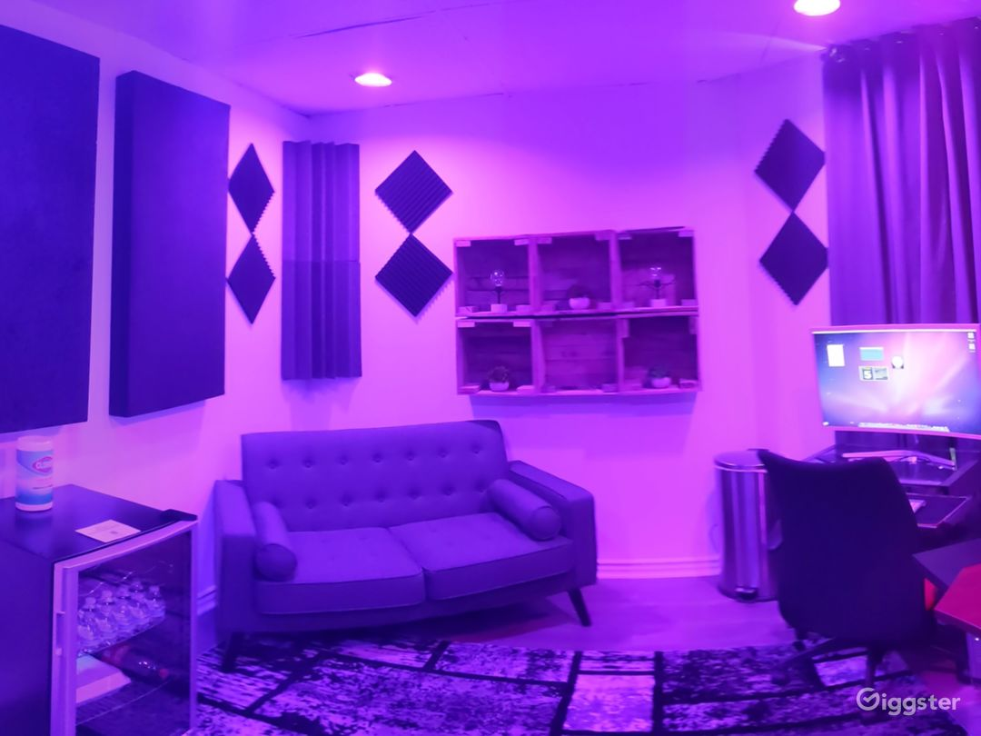 Major Artist Studio Photo 5