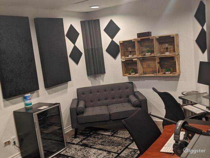 Major Artist Studio Photo 4
