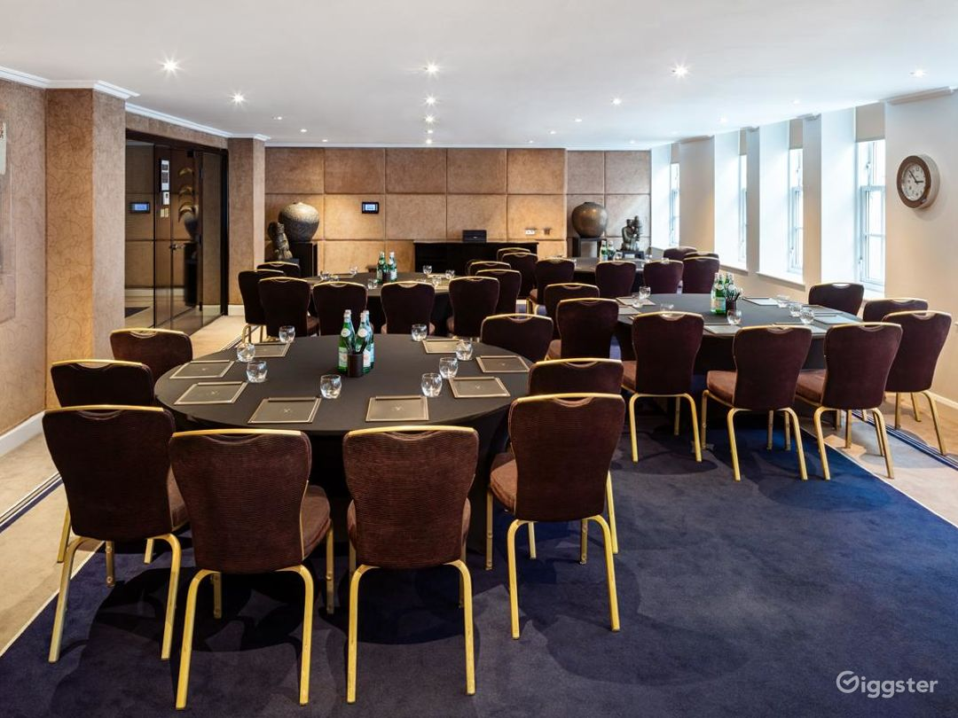 Peculiar Private Suite 7 in Mayfair, London Photo 1