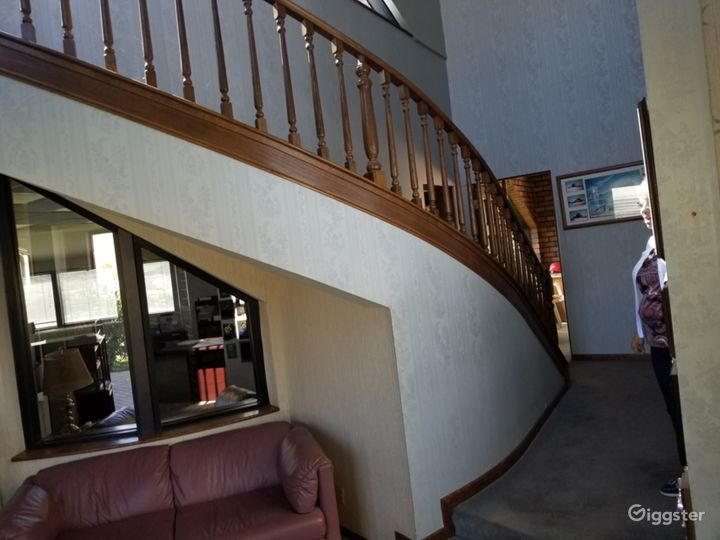Private / Secluded. Not in use Office Bldg & Land Photo 4
