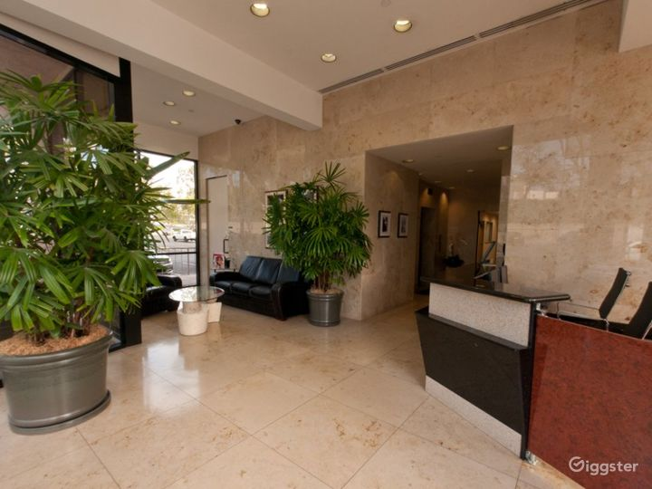 Stylish and Flexible Meeting Room in Newport Beach Photo 2