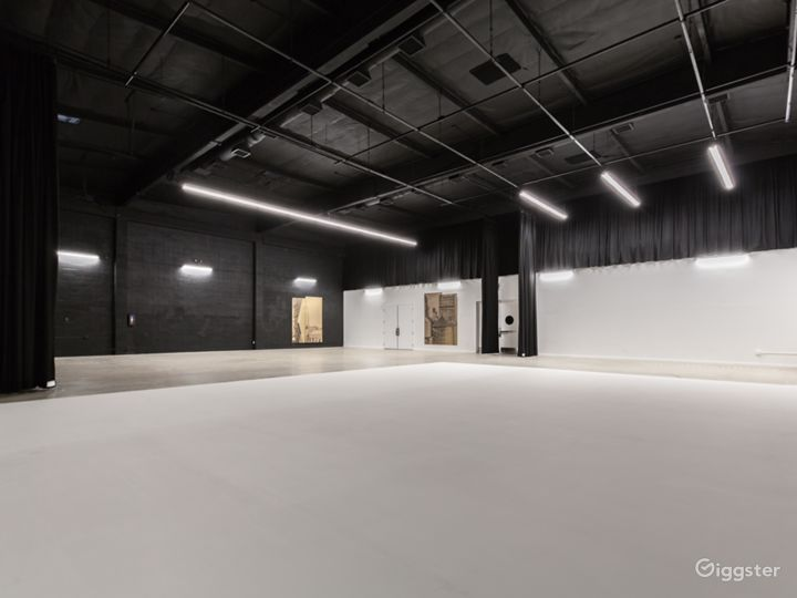 *LIMITED TIME OFFER* Burbank Film/Event Studio Photo 3