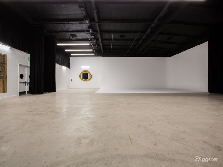 *LIMITED TIME OFFER* Burbank Film/Event Studio Photo 2