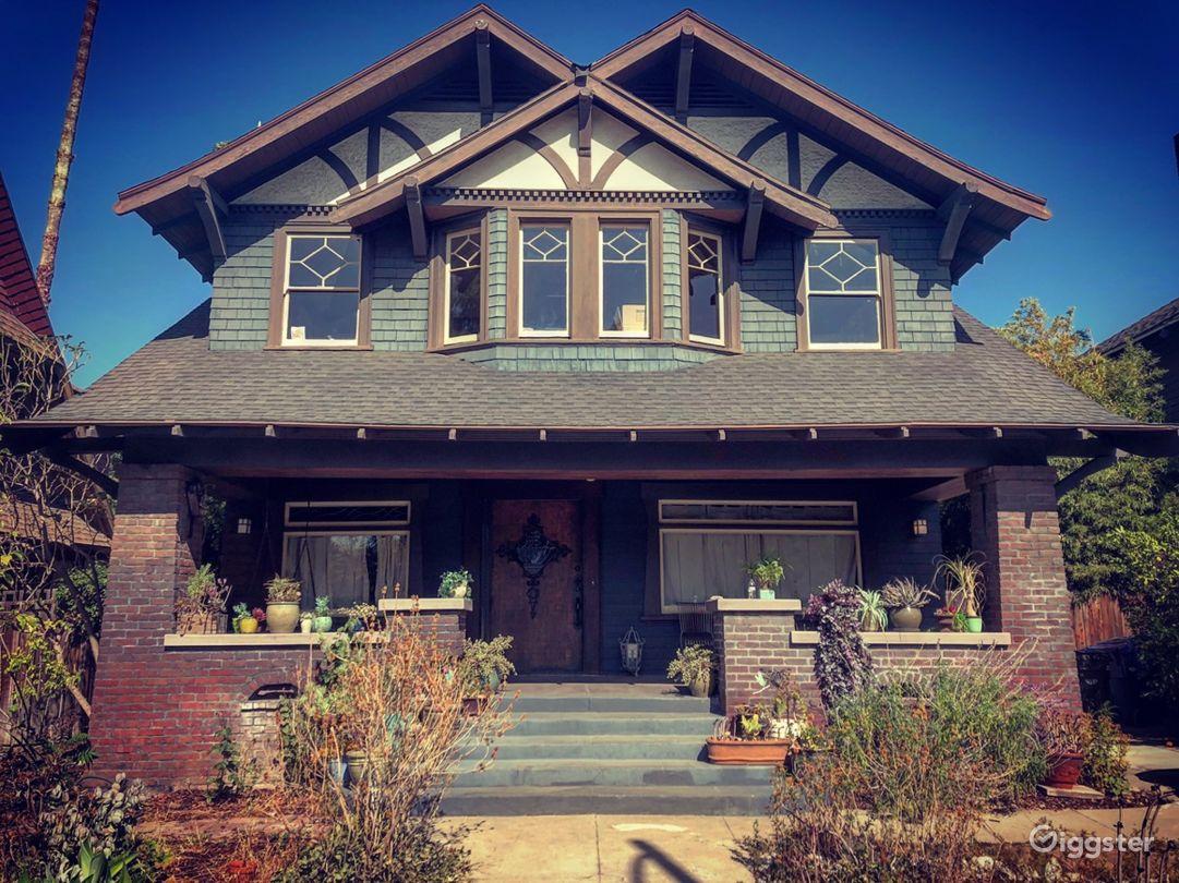 Gorgeous 1909 historic craftsman/ victorian home Photo 5