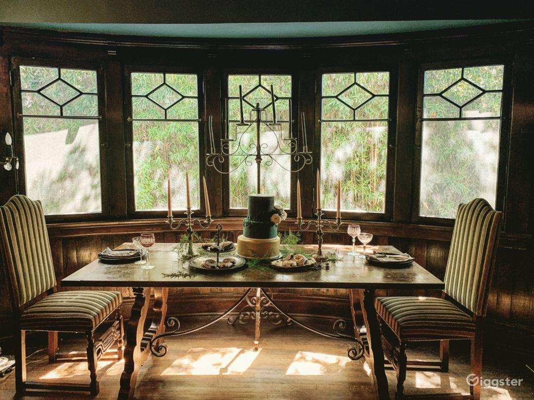 Gorgeous 1909 historic craftsman/ victorian home Photo 4