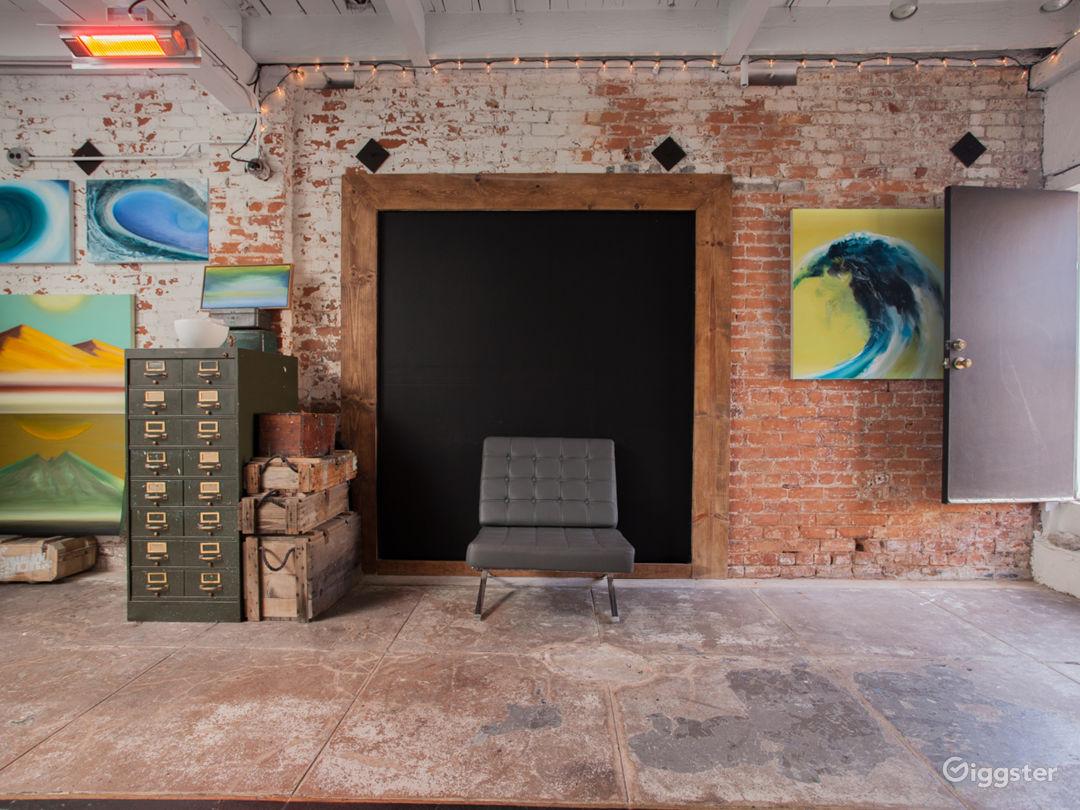 Versatile art studio + gallery on Sunset Ave., 1 block from boardwalk, 2 blocks from Abbot Kinney