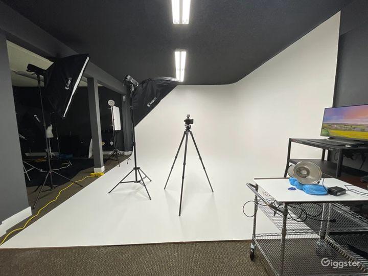 Photography & Videography Studio Photo 2