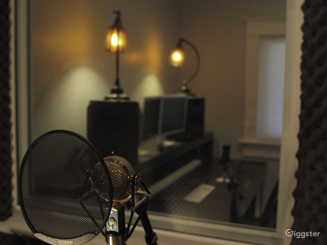 Tara Simon Studios Photo 5
