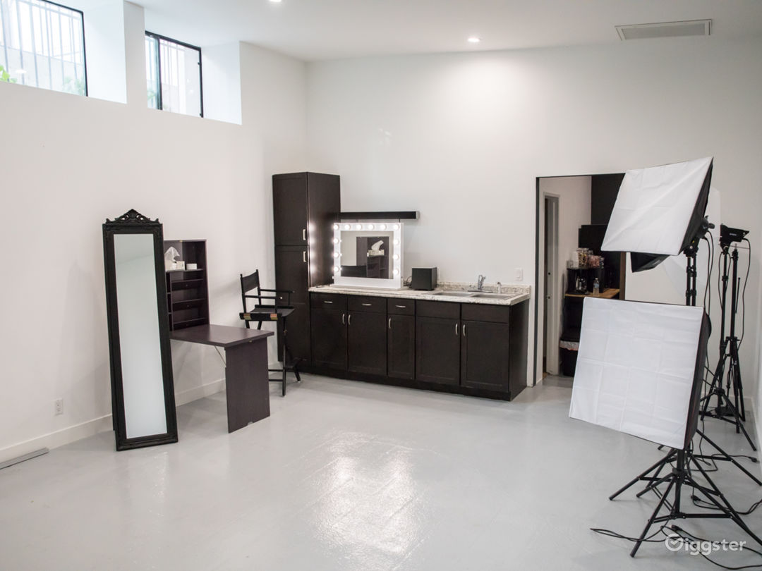Photography Studio In Hollywood Hills Photo 5