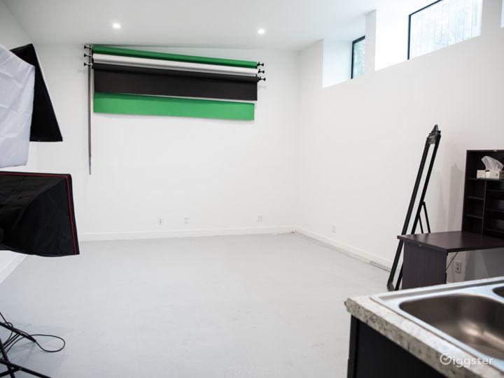 Private, gated multi-media Studio Photo 2