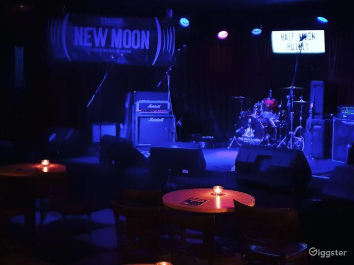 Rock 'n' roll pub in Putney  Photo 3