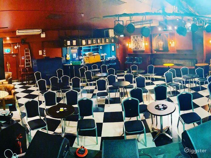 Rock 'n' roll pub in Putney  Photo 2