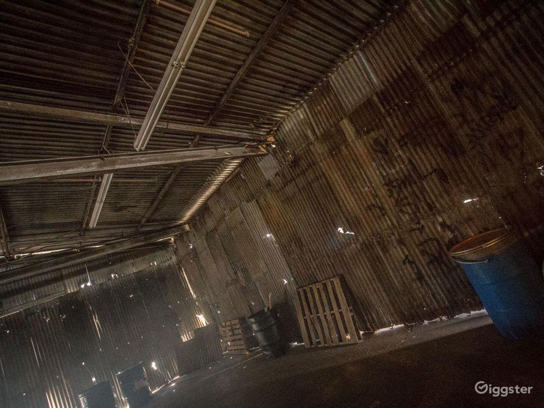 Grungy Warehouse Standing Set Photo 2