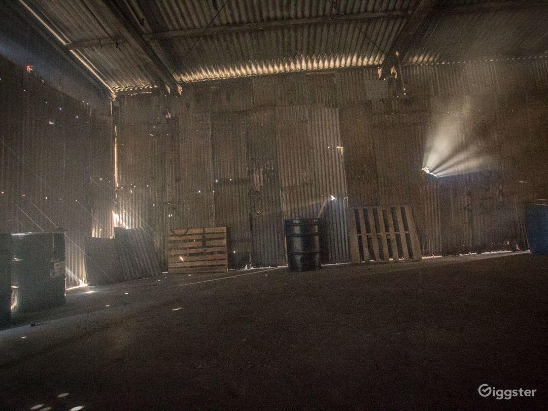 Grungy Warehouse Standing Set Photo 3