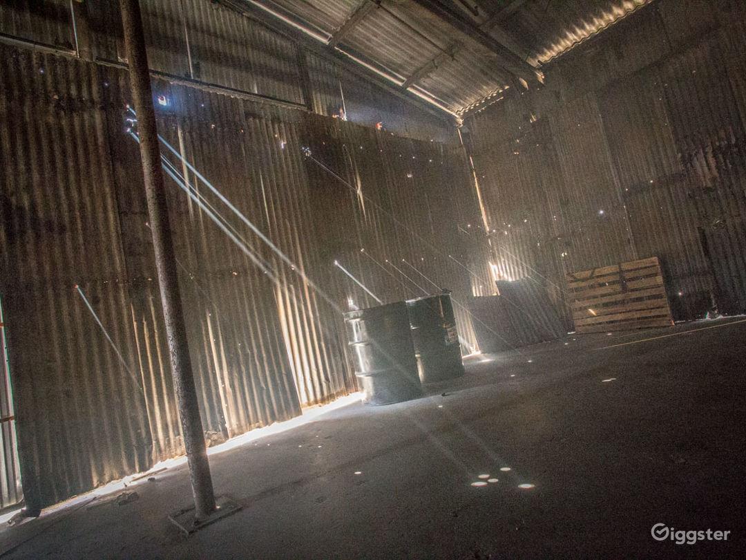 Grungy Warehouse Standing Set Photo 1