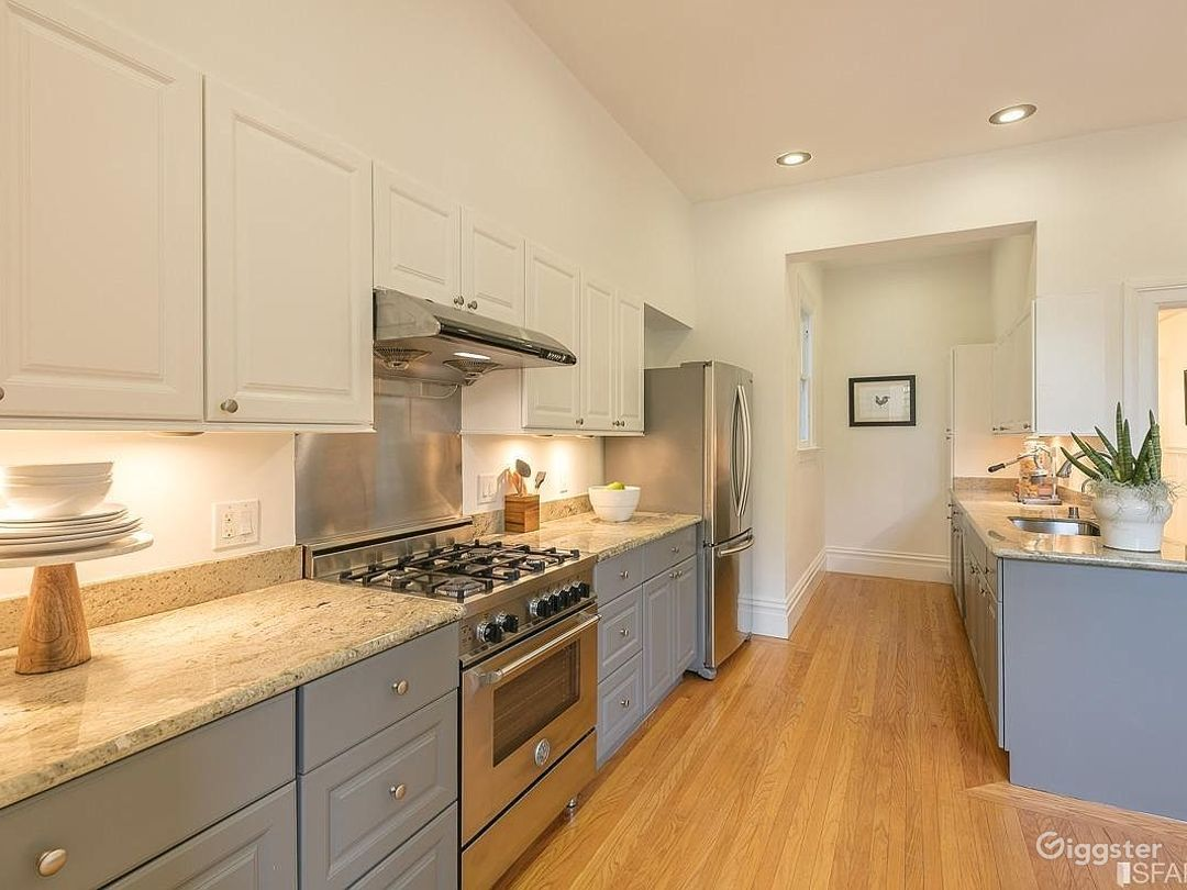 Huge chefs kitchen with modern stainless steel appliances. Works for both crew and shoots.