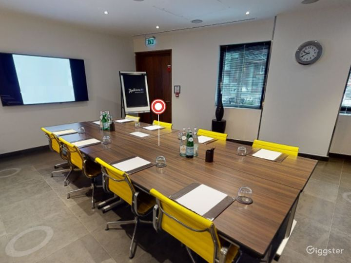 Dashing Private Room 5 in Canary Wharf, London Photo 3