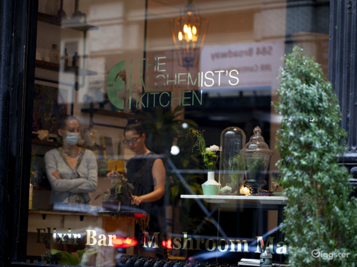 Botanical Speakeasy Elixir Bar Photo 5