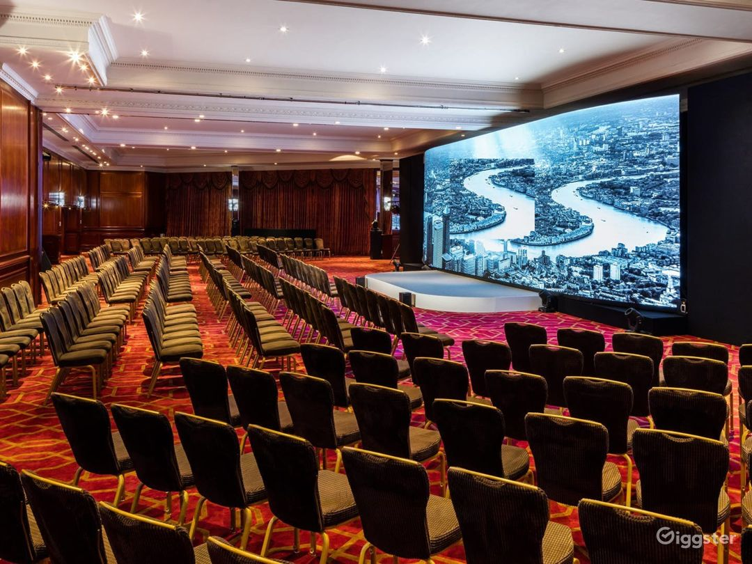 The Commonwealth Suite for Large Events & Conferences in London, Heathrow Photo 1