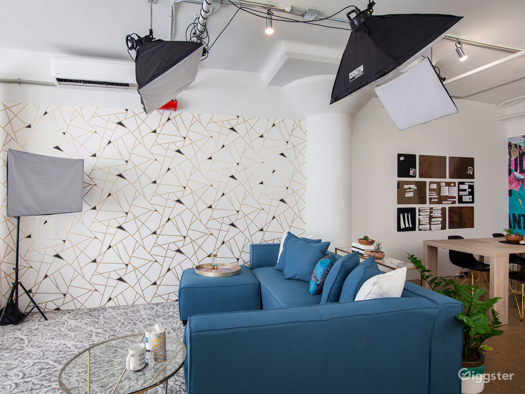 Versatile DTLA Studio Loft with Interview Set Photo 4