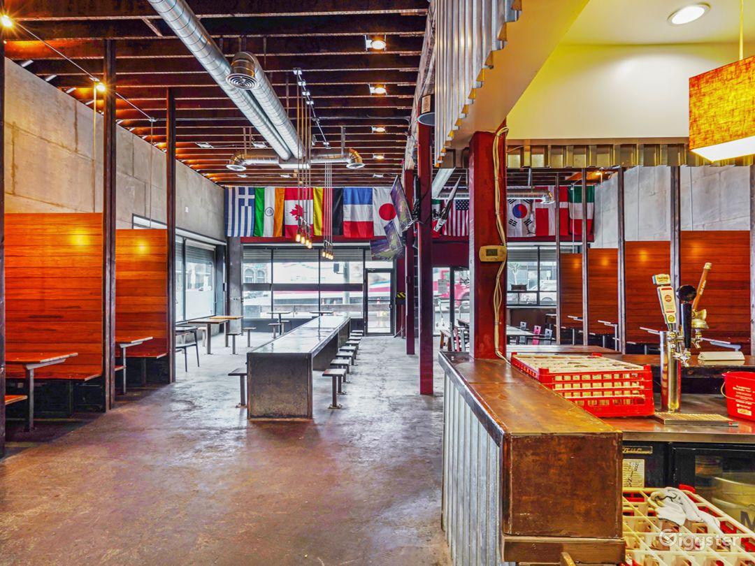 Rustic Modern Gastropub Restaurant / Sports Bar Photo 1