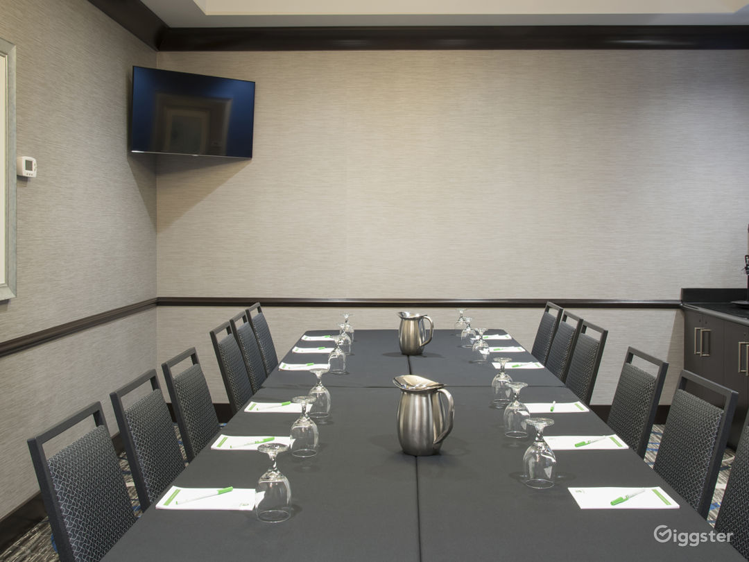 Modern Conference Room Photo 1