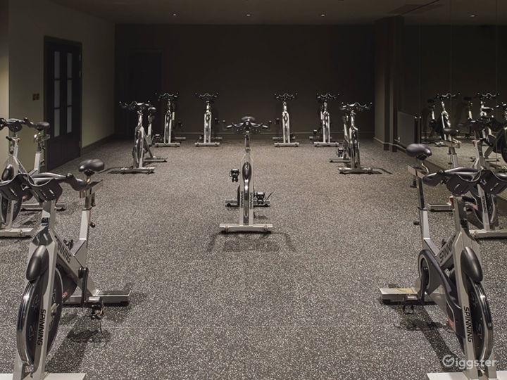 Spacious Fitness Center in Edinburgh Photo 2