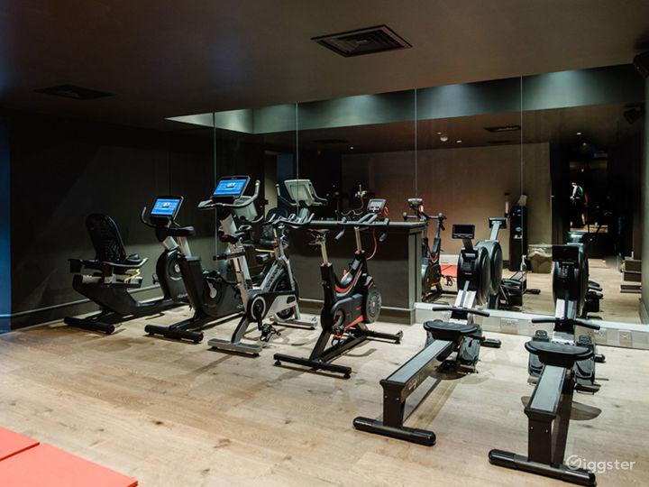 Spacious Fitness Center in Edinburgh Photo 5