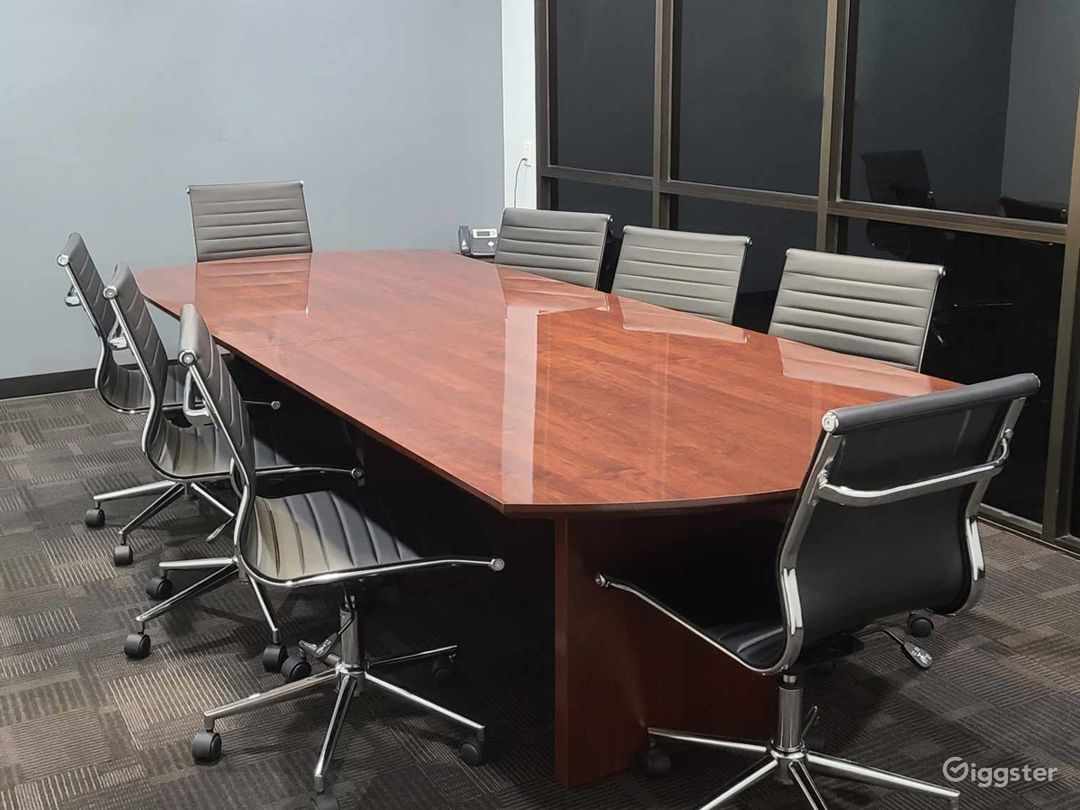 Tidy Conference Room in Ontario (4th Floor) Photo 1
