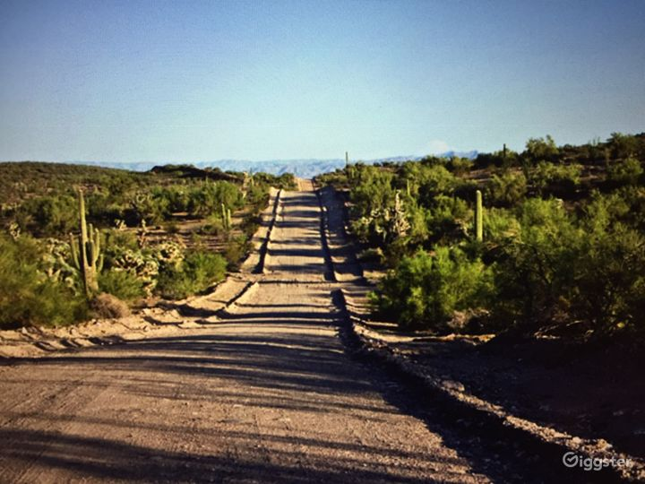 A well kept road leads to the property from 1-40. 3.5 hour drive from Phoenix, 4.0 hours from Vegas, 2.0 hours to Lake Havasu