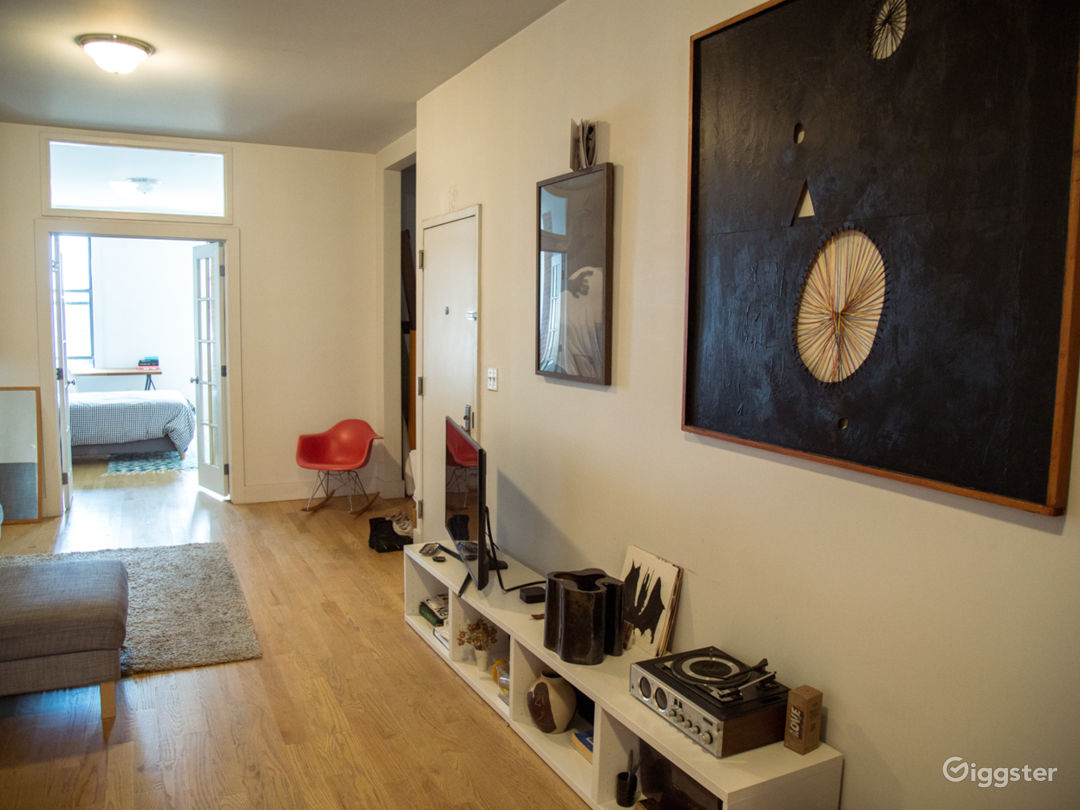 GREAT MODERN APT IN GREENPOINT Photo 1