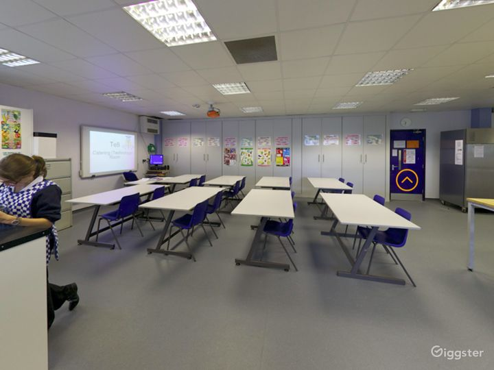 Bright and Modern Catering Classroom in London Photo 3