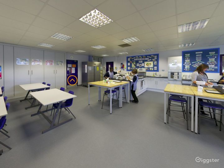 Bright and Modern Catering Classroom in London Photo 4