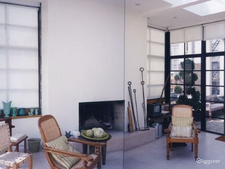 Contemporary apartment with terrace: Location 3164 Photo 5