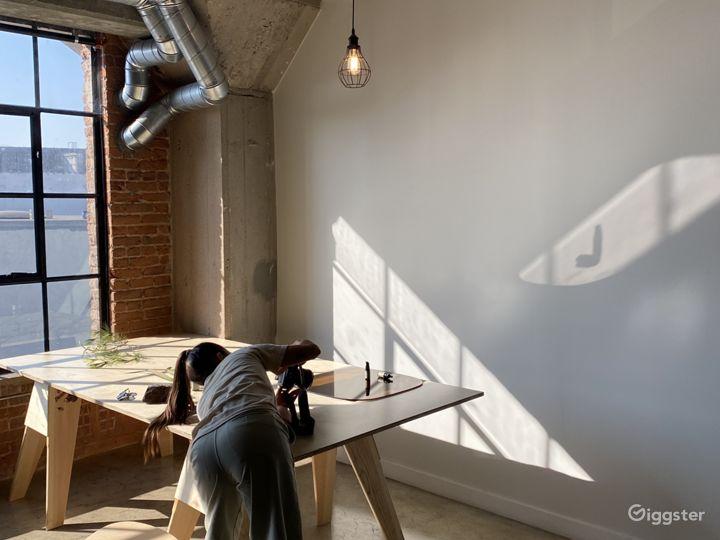 DTLA Photo / Film Studio - Natural light-filled Photo 5