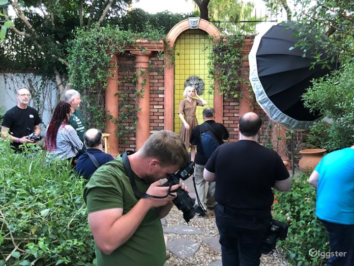 Airy Garden Area Perfect For Photoshoot in Phoenix Photo 4