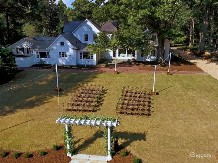 Historic Remodeled Farmhouse on 10 acres of Oaks Photo 2