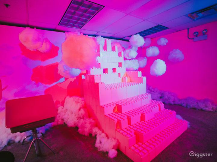 10,000 sqft immersive art installation Photo 5