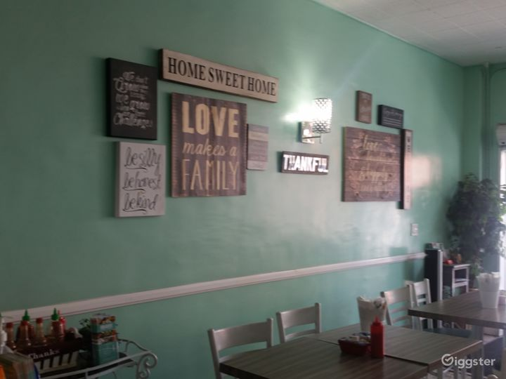 Beverly Hills Cafe Photo 5