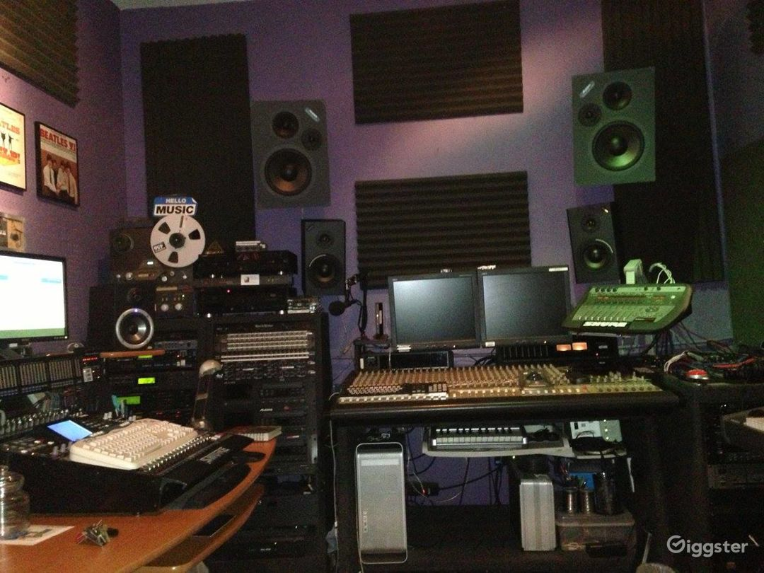 Music Recording Studio in the Heart of Hollywood Photo 1