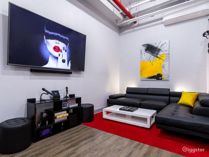 Modern Art-Inspired Stylish Private Venue Photo 2