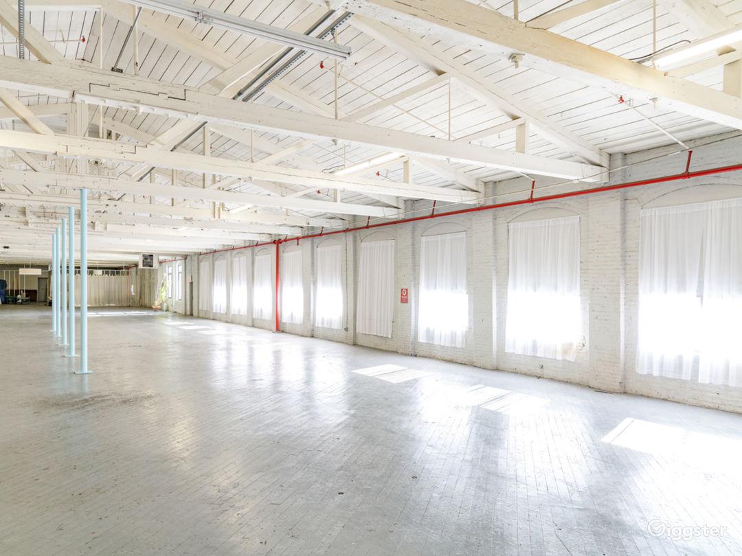 12,000 sq/ft Minimalist Warehouse Loft Photo 5