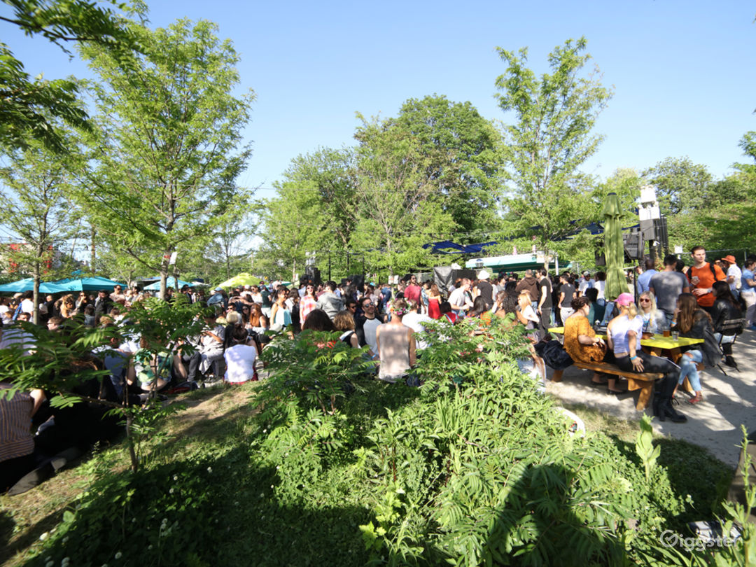 Huge Park-Like Venue in Ridgewood, Queens Photo 2
